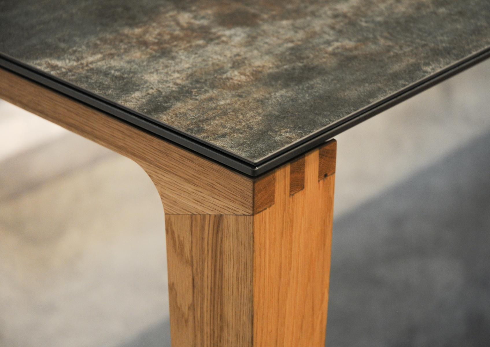 Pourquoi une table en céramique? | Boschung Möbel AG