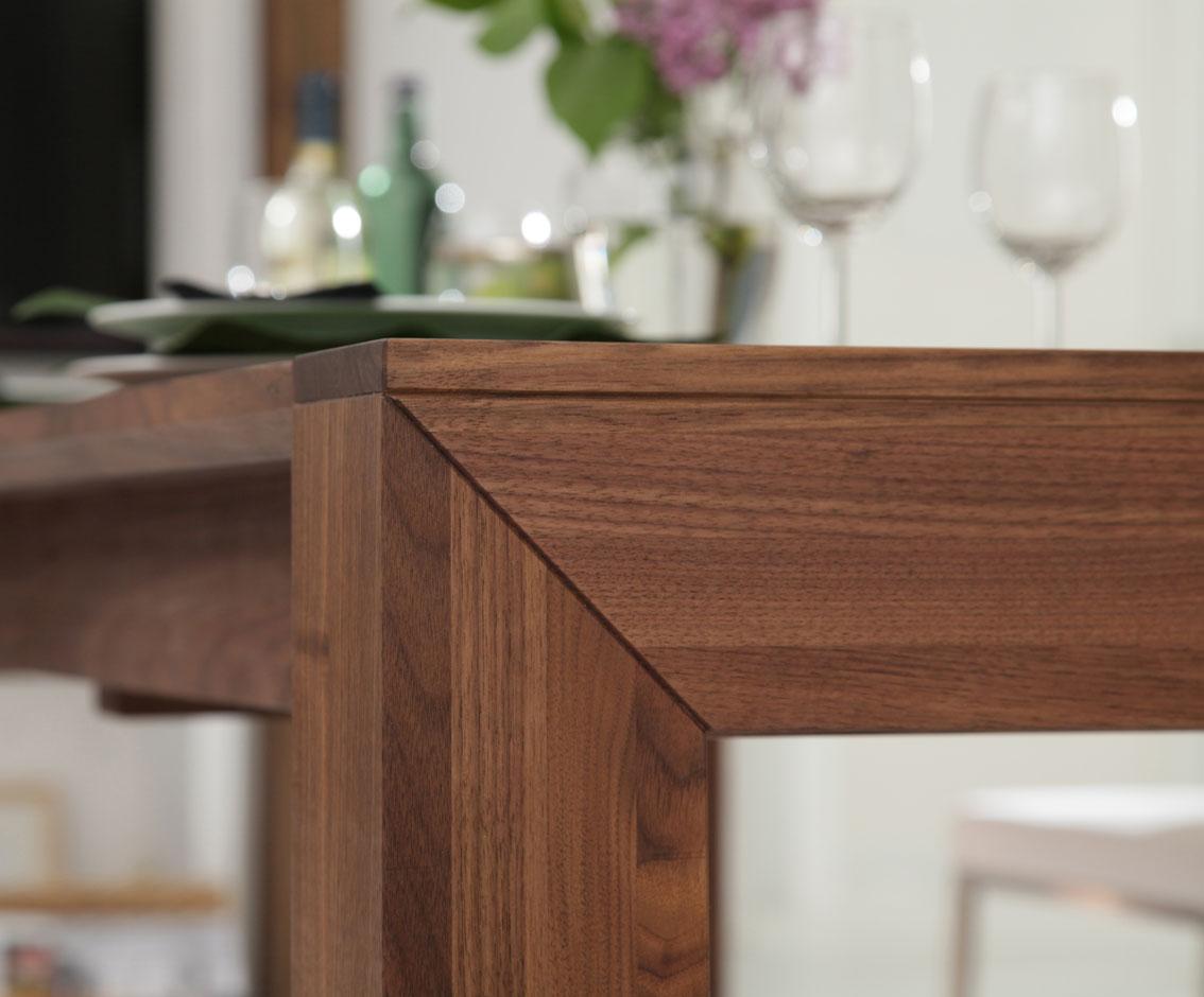 tisch lyss boschung. Black Bedroom Furniture Sets. Home Design Ideas